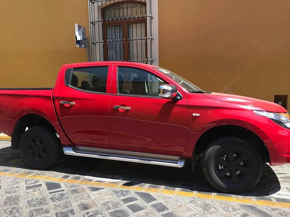 Renta-pick-up-Oaxaca-Mitsubishi-L200-roja