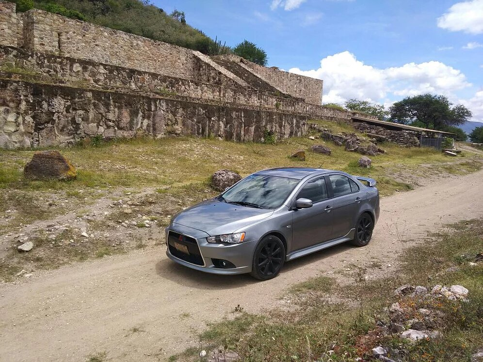lancer-gris-carrental-oaxaca