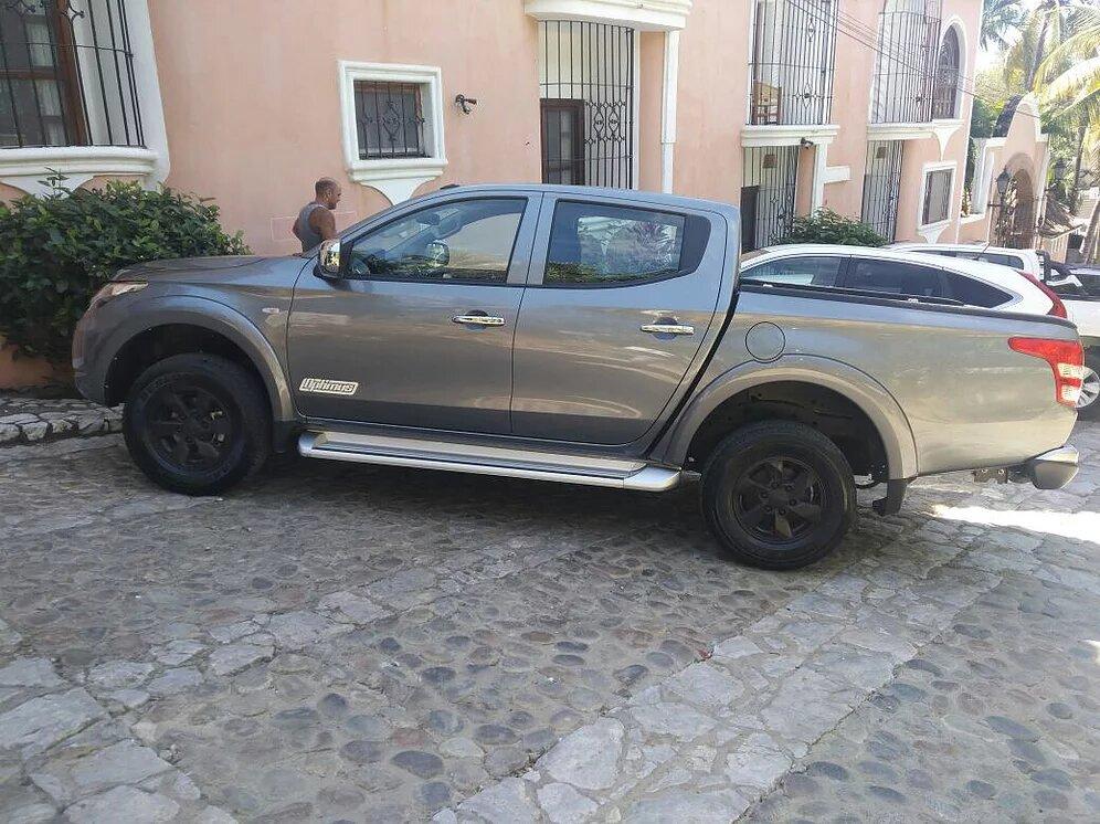 Renta pickup Oaxaca Puerto escondido Mitsubishi